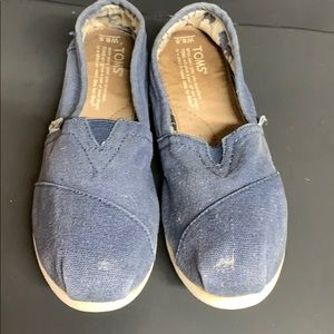 Toms classic flats color navy size 6.5w